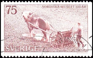 1014 Man with horse-drawn sower